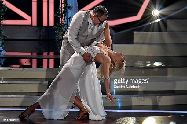 Kathrin Menzinger and Ulli Potofski perform on stage during the 9th show of the television competition 'Let's Dance' at Coloneum on May 13 2016 in...