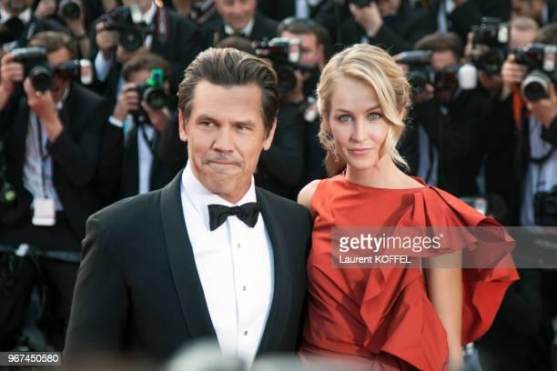 Kathryn Boyd et Josh Brolin lors de la montée des marches pour la première du film 'Sicario' durant le 68eme Festival du Film au Palais des Festivals...