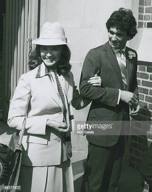 Kathryn Crosby and John Connely attending 'Gabriel FerrerDebbie Boone Wedding Ceremony' on September 1 1979 at the Hollywood Presbyterian Church in...