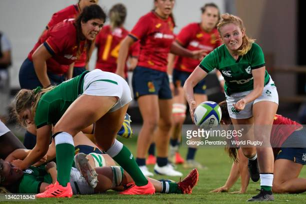 Kathryn Dane of Ireland controls the ball during the Rugby World Cup 2021 Europe Qualifying match between Spain and Ireland at Stadio Sergio...