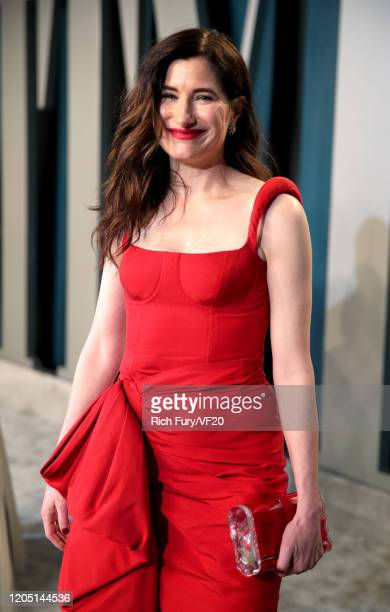 Kathryn Hahn attends the 2020 Vanity Fair Oscar Party hosted by Radhika Jones at Wallis Annenberg Center for the Performing Arts on February 09, 2020...