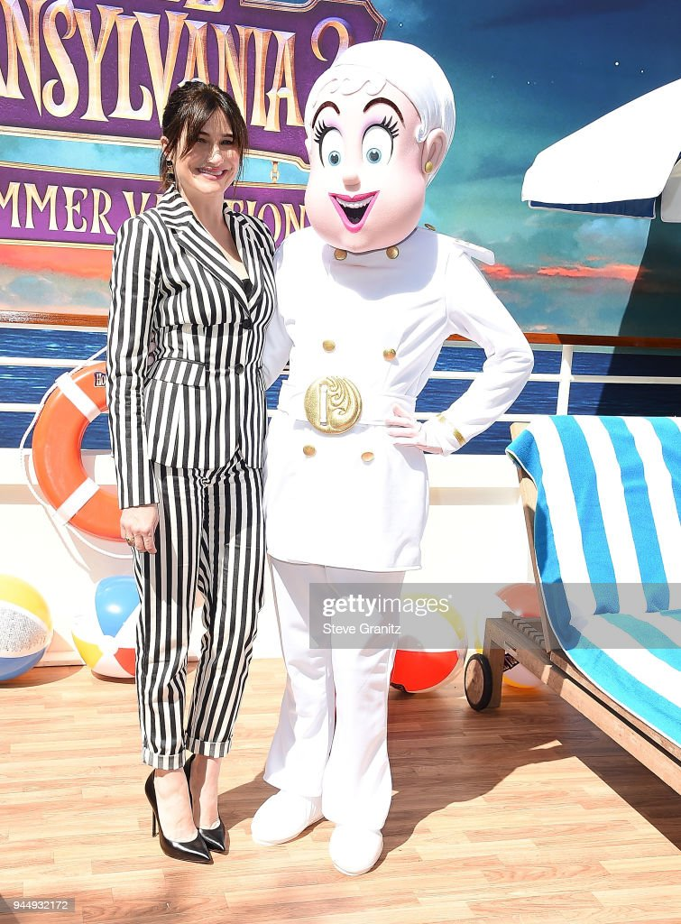 Kathryn Hahn poses at the Photo Call For Sony Pictures' 'Hotel Transylvania 3: Summer Vacation' at Sony Pictures Studios on April 11, 2018 in Culver City, California.