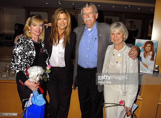 Kathy Ireland and sister Mary with Skipper, father John and mother Barbara