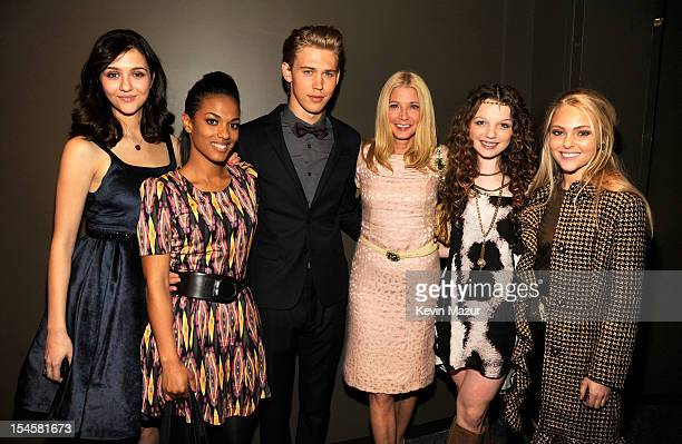 Katie Findlay Freema Agyeman Austin Butler Candace Bushnell Stephania Owen and AnnaSophia Robb attend the world premiere of The Carrie Diaries at the...