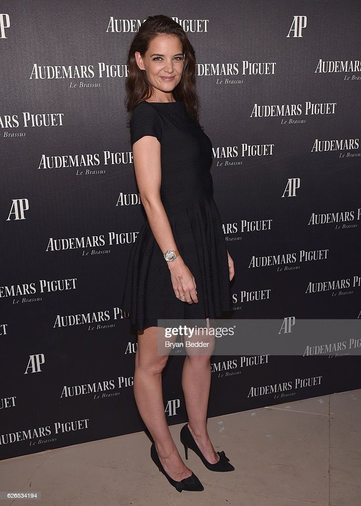 Katie Holmes attends the Audemars Piguet Art Commission Presents 'Reconstruction of the Universe' By Sun Xun on November 29, 2016 in Miami Beach, Florida.