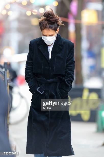 Katie Holmes goes for a walk on January 8th, 2020 in New York City, New York.