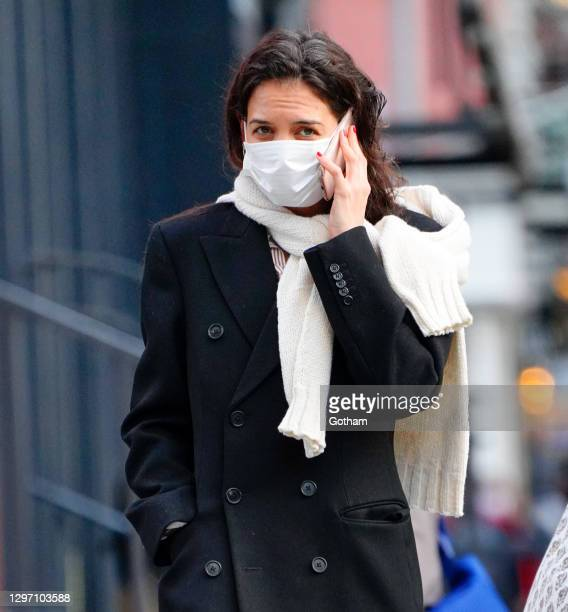 Katie Holmes goes shopping in Soho on January 18, 2021 in New York City.