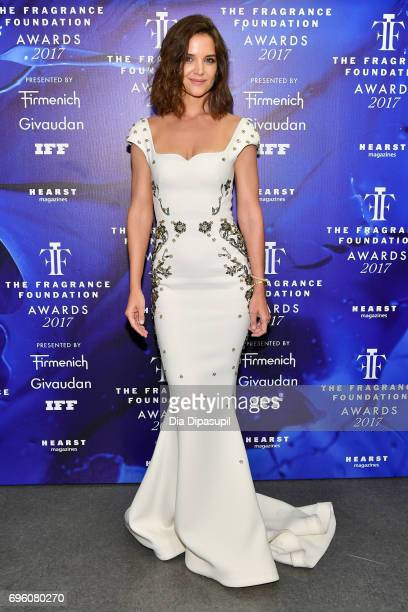 Katie Holmes poses backstage at the 2017 Fragrance Foundation Awards Presented By Hearst Magazines at Alice Tully Hall on June 14 2017 in New York...