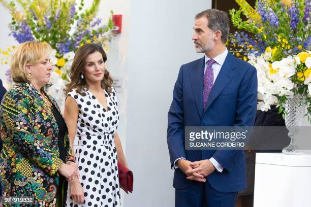 Katie Luber Director of the San Antonio Museum of Art greets King Felipe VI and Queen Letizia of Spain at the San Antonio Museum of Art to attend the...