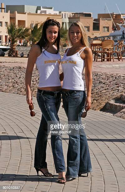 Katie Steiner Blanca Starke Teilnehmerinnen der Ausflugsreise zum Missen Camp für die Miss Germany Wahl 2007 El Gouna Ägypten Afrika Ganzkörper...