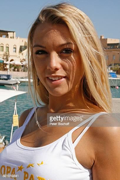 Katie Steiner HalbProfilPortraitTeilnehmerin der Ausflugsreise zum Missen Camp für die Miss Germany Wahl 2007 El Gouna Ägypten Afrika Dekollete...
