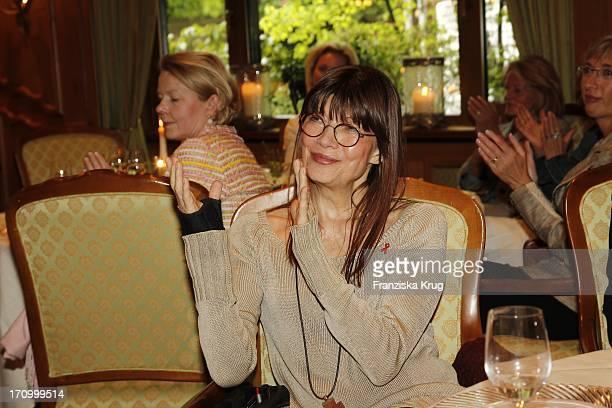 Katja Ebstein Beim 1 Owl Ladies Lunch Im Parkhotel In Gütersloh