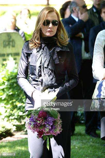 Katja Flint attends the funeral of German actress Barbara Rudnik at Nordfriedhof cemetery on May 29 2009 in Munich Germany