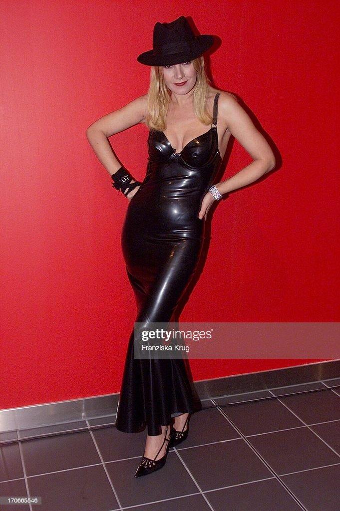 Katja Flint Im Sexy Latexkleid Bei Der Premiere Von Suck My Dick In News Photo -9296