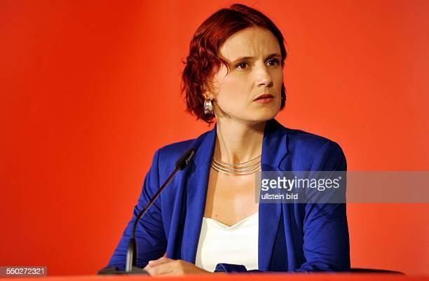 Katja Kipping während einer Pressekonferenz zum Syrien-Konflikt in Berlin