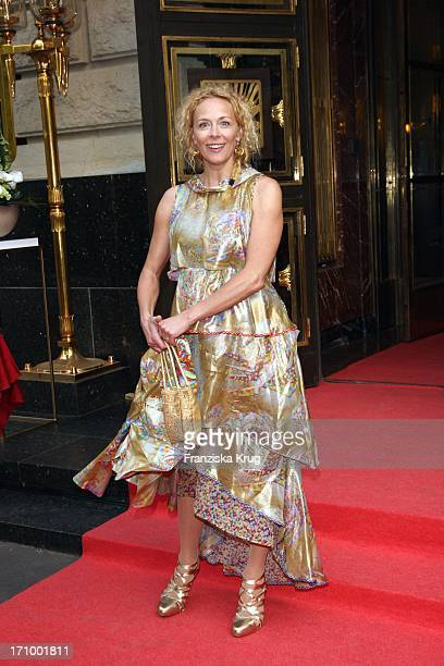 Katja Riemann Bei Der FashionGala Vom Russischen Sommer Zum Russischen Winter In Der Russischen Botschaft In Berlin