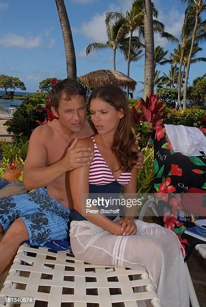 Katja Woywood Andreas Brucker Dreharbeiten zur ZDFReihe 'Kreuzfahrt ins Glück' Folge 3 'Hochzeitsreise nach Hawaii' Grand HyattHotel Kauai Hawaiian...