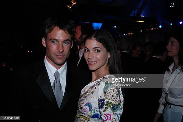 Katja Woywood Ehemann Marco Göhrnt AftershowParty nach Verleihung Deutscher Fernsehpreis 2004 Köln ColoneumMall Feier Schauspieler Schauspielerin...