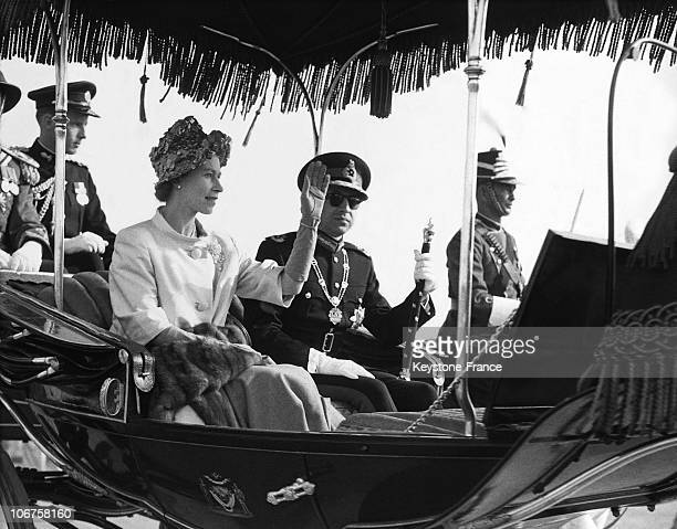 Katmandou Hm The Queen Elizabeth Ii And Her Royal Host King Mahendra In An Open Landau Wave At The Crowd In February 1961