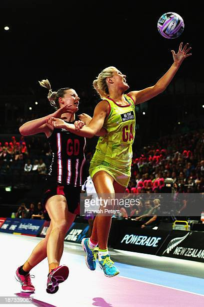 Katrina Grant of New Zealand defends against Gretel Tippett of Australia during the match between New Zealand and Australia on day one of the Fast5...