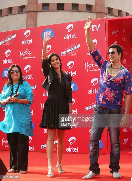 Katrina Kaif Akshay Kumar and Farah Khan at a promotional event for their upcoming film Tees Maar Khan at Ansal Plaza on Wednesday