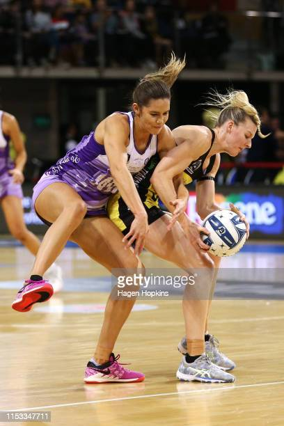 Katrina Rore of the Pulse and Kayla Cullen of the Stars compete for the ball during the ANZ Premiership Netball Final between the Pulse and the Stars...