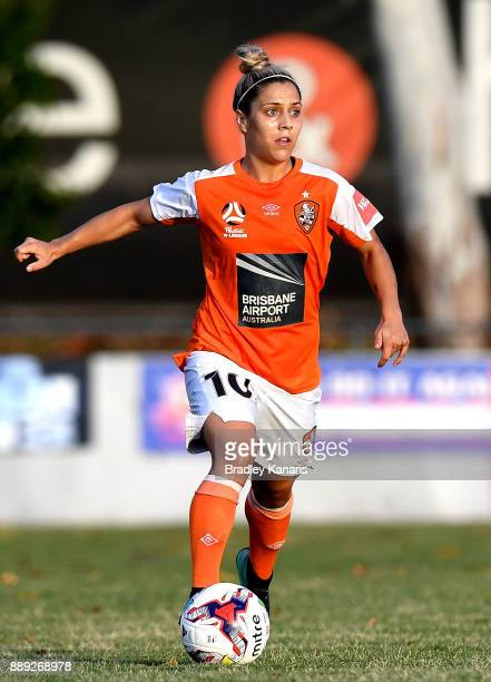 KatrinaLee Gorry of the Roar in action during the round seven WLeague match between the Brisbane Roar and the Newcastle jets at AJ Kelly Reserve on...