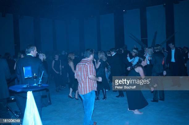 Katy Karrenbauer Tänzer AftershowParty Verleihung Deutscher Fernsehpreis 2003 Köln Coloneum tanzen Tanzfläche Party Promis Prominenter Prominente
