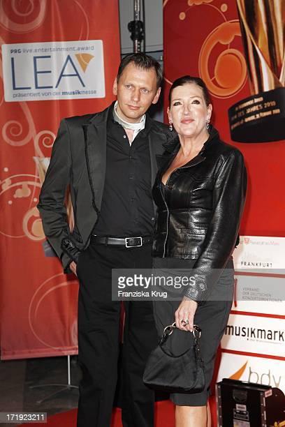 Katy Karrenbauer Und Jürgen Bei Der Verleihung Der Lea Awards In Der Frankfurter Festhalle In Frankfurt