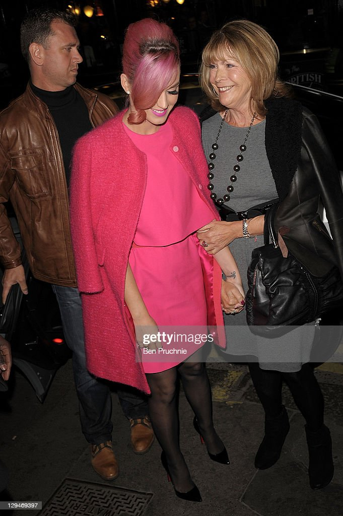 Katy Perry Sighting In London - October 17, 2011 : News Photo
