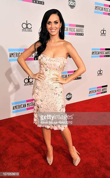 Katy Perry arrives at the 2010 American Music Awards held at Nokia Theatre L.A. Live on November 21, 2010 in Los Angeles, California.