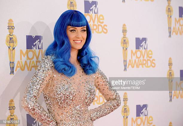 Katy Perry arrives at the 2010 MTV Movie Awards held at the Gibson Amphitheatre at Universal Studios on June 6, 2010 in Universal City, California.