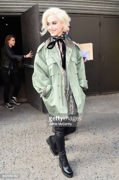Katy Perry arrives at the Marc Jacobs Fall 2017 Show at Park Avenue Armory on February 16, 2017 in New York City.