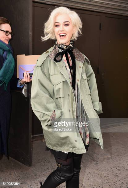 Katy Perry arrives at the Marc Jacobs Fall 2017 Show at Park Avenue Armory on February 16 2017 in New York City