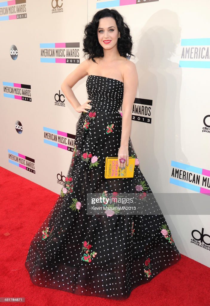 2013 American Music Awards - Red Carpet : Nachrichtenfoto