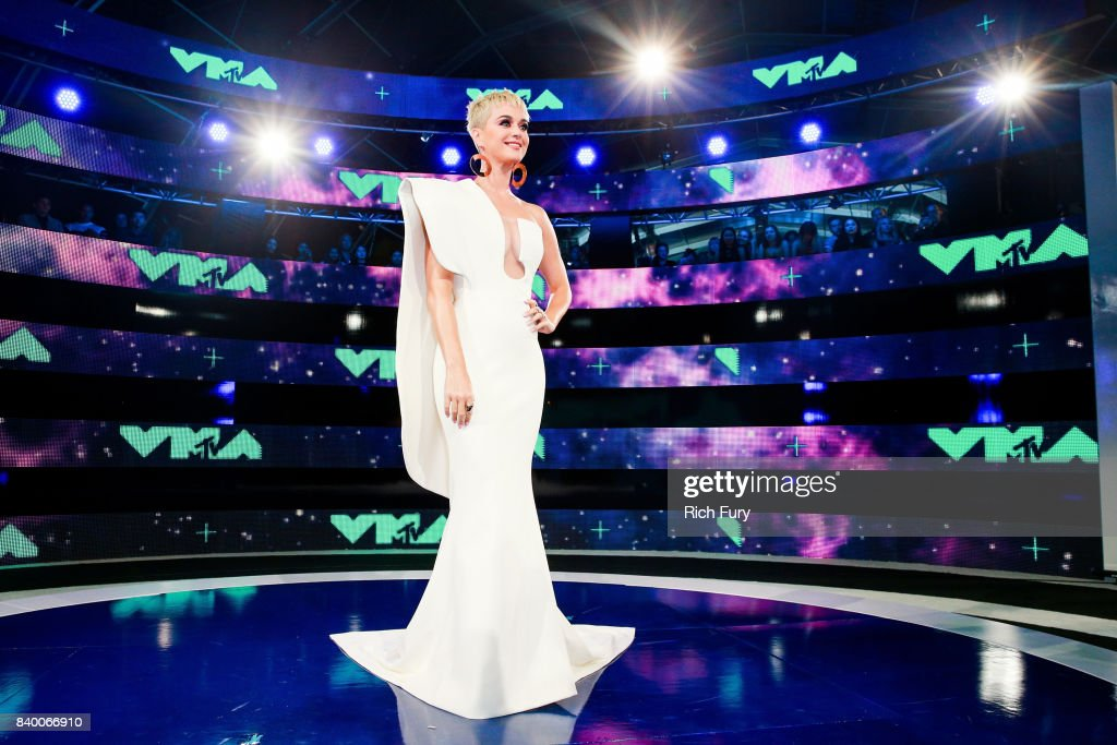 Katy Perry attends the 2017 MTV Video Music Awards at The Forum on August 27, 2017 in Inglewood, California.