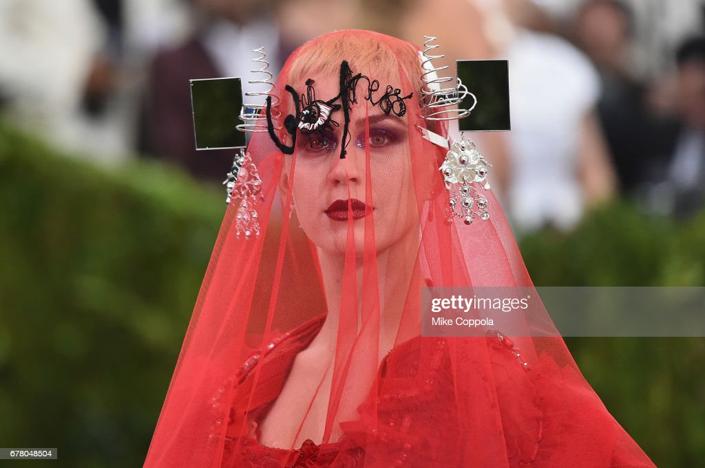"""Rei Kawakubo/Comme des Garcons: Art Of The In-Between"" Costume Institute Gala : News Photo"