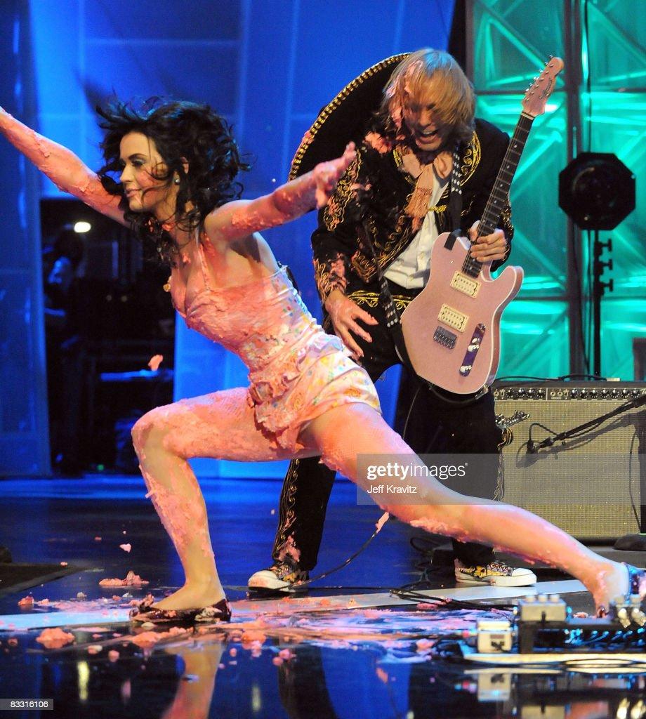 "7th Annual ""Los Premios MTV Latin America 2008"" Awards - Show"
