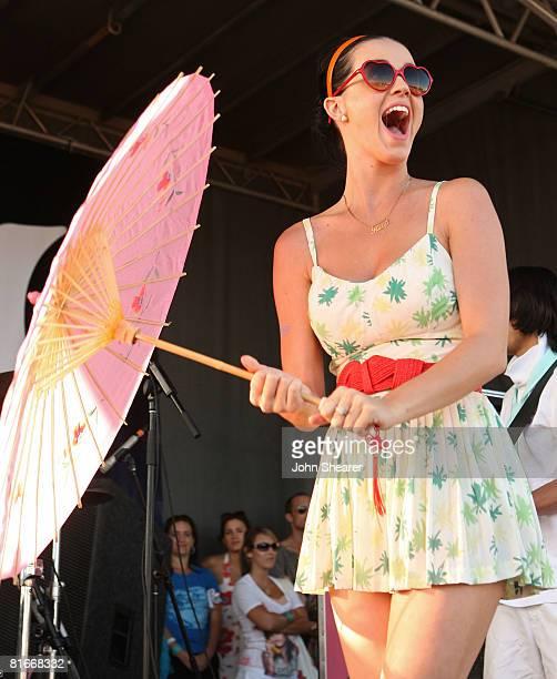 Katy Perry performs at the Van's Warped Tour at Seaside Park on June 22, 2008 in Ventura, California.