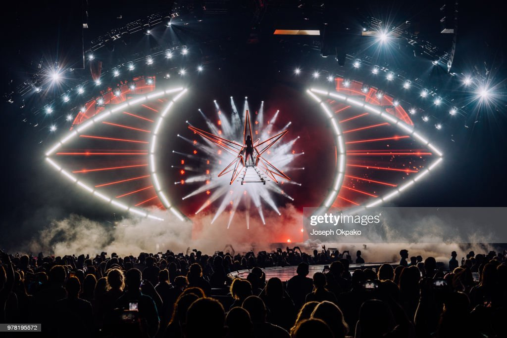 Katy Perry Performs at Birmingham Arena