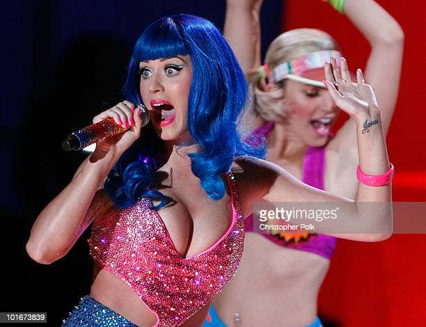 Katy Perry performs onstage at the 2010 MTV Movie Awards held at the Gibson Amphitheatre at Universal Studios on June 6, 2010 in Universal City,...