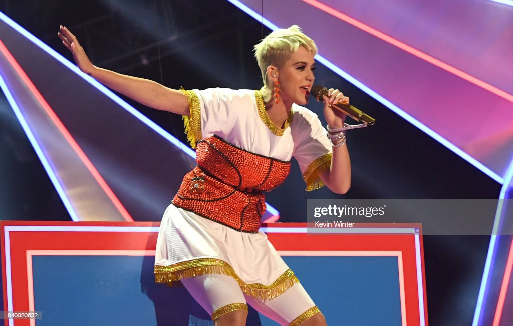 Katy Perry performs onstage during the 2017 MTV Video Music Awards at The Forum on August 27, 2017 in Inglewood, California.