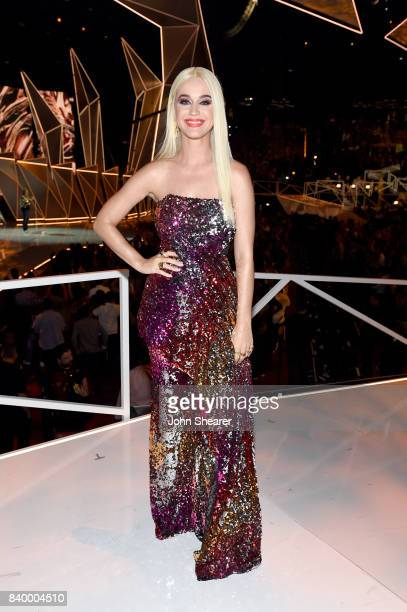 Katy Perry poses during the 2017 MTV Video Music Awards at The Forum on August 27 2017 in Inglewood California
