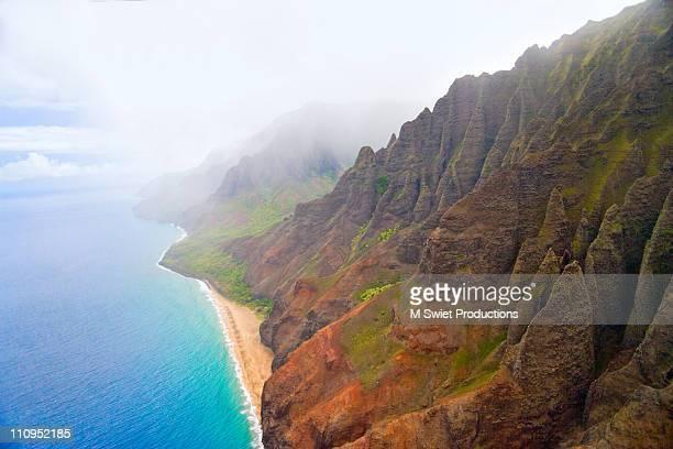 kauai coast of spleen - na pali stock photos and pictures