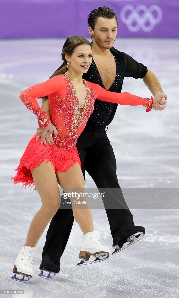 Figure Skating - Winter Olympics Day 2 : News Photo