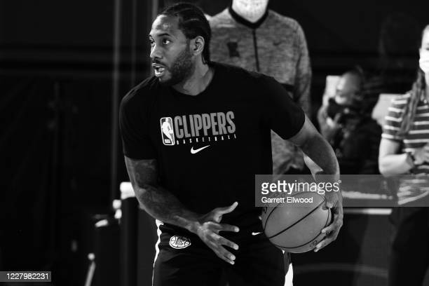 Kawhi Leonard of the LA Clippers warms up before the game against the Brooklyn Nets on August 9 2020 at AdventHealth Arena in Orlando Florida NOTE TO...