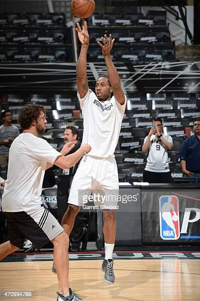 Kawhi Leonard of the San Antonip Spurs warms up before the game against the Los Angeles Clippers during Game Three of the Western Conference...