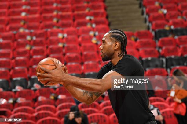 Kawhi Leonard of the Toronto Raptors warms up prior to Game Four of the Eastern Conference Finals against the Milwaukee Bucks on May 21 2019 at the...