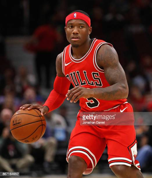 Kay Felder of the Chicago Bulls brings the ball up the court against the Atlanta Hawks at the United Center on October 26 2017 in Chicago Illinois...