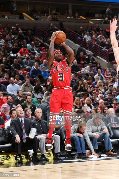 Kay Felder of the Chicago Bulls shoots the ball against the Indiana Pacers on November 10 2017 at the United Center in Chicago Illinois NOTE TO USER...